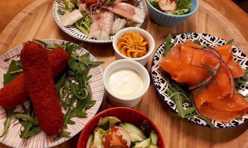 draaiende-visjes-salade-kroket-zalm-paling-draaiboompje